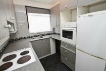 3 bedroom house in Hambrook Road, London...