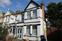 3 bed End of Terrace property to rent in Southcote Road...