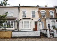 2 bed Flat to rent in Dynevor Road, London, N16