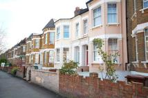 Ground Flat to rent in Mildenhall Road, Clapton...