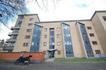 Flat in Rendlesham Road, London...