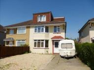 5 bed semi detached house to rent in Rossall Avenue...