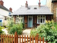 2 bed Detached Bungalow in Highworth Avenue...