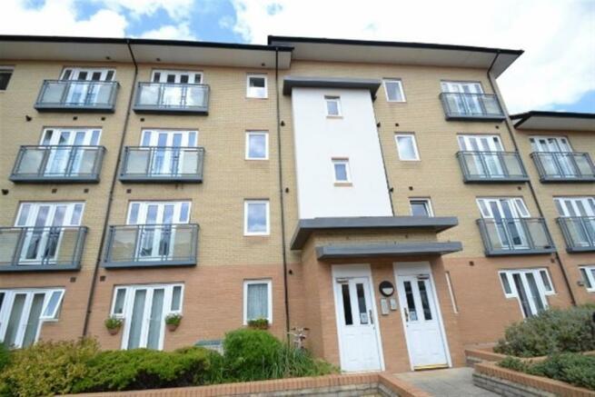 2 Bedroom Apartment To Rent In Hampton Gardens Cambridge Cb1