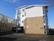 Studio apartment to rent in Castle Lane West...