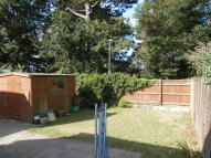 2 bed Ground Flat to rent in Seaward Avenue...