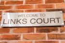 Links Court