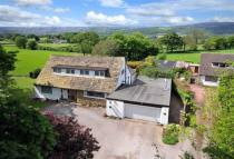 5 bedroom Detached house in Apperley Lane, Rawdon
