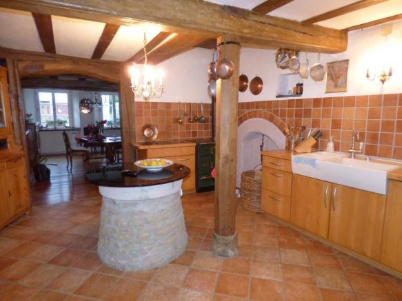 Kitchen with well