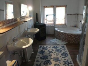 Bathroom (House)