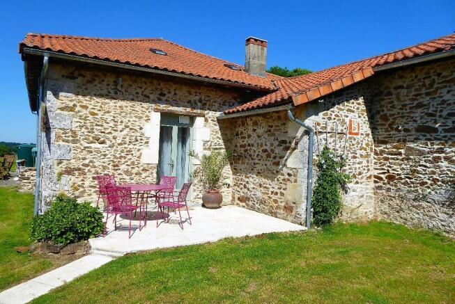 Cottage 2 terrace