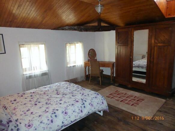 Cottage 1 Master bed