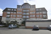 Flat in Ickenham Road, Ruislip