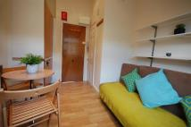 Studio apartment in Cheniston Gardens...