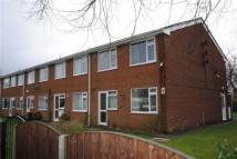 Flat to rent in Woodfield court...