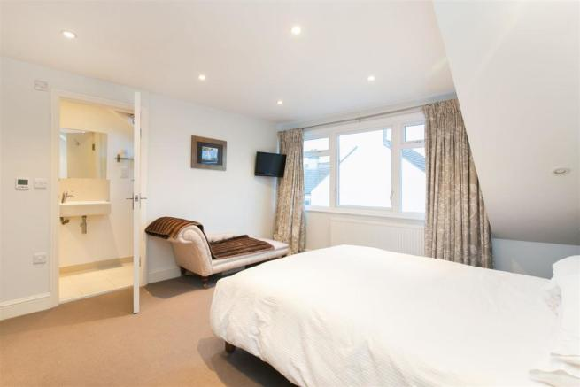 69 Corsehill St bed2