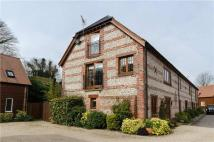 4 bed home in Manor Farm Close...