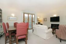 2 bedroom Flat for sale in Cromwell Mews...