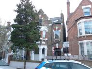 2 bed Flat to rent in Deronda Road