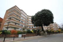 3 bedroom Apartment in Cholmeley Park, Highgate...