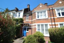 Apartment to rent in Glasslyn Road...