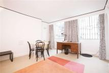 Flat to rent in Doughty Street, WC1N