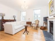 Flat in Charlton Place, N1