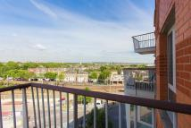 Flat to rent in Carronade Court...