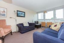 3 bedroom Flat in Jessop Court...