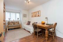 Flat to rent in Caroline Close, N10