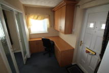 Studio flat to rent in The Spinney...