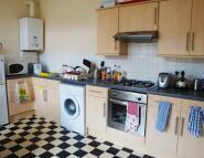 3 bedroom Terraced house in Flat 3, 55 Alfreton Road