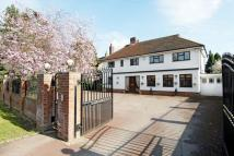 5 bedroom Detached home in Ickenham