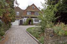 5 bedroom Detached property to rent in Ickenham