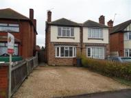 3 bedroom semi detached house to rent in Sketchley Road, Burbage...
