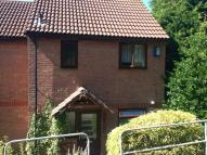 2 bed property in Pine Road...