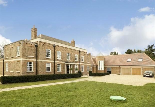 Hertingfordbury Property For Sale
