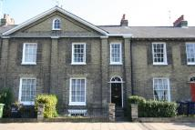 4 bed Town House in New Square, Cambridge...
