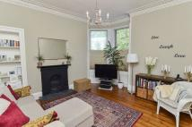 Ground Flat in 19/2 Henderson Terrace...