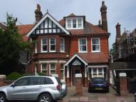 Flat to rent in Arlington Road...