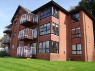 3 bedroom Flat in RedsailsShore Road...