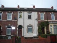 2 bed Flat to rent in Healdfield Road...