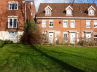 Town House to rent in Princess Drive, York
