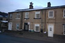 Terraced home to rent in Woodhead Road, Honley...