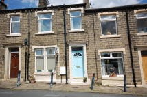 1 bedroom property to rent in Church Street, Honley...