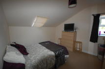 1 bedroom Apartment in Fairfields Road...