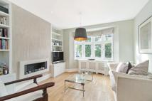 4 bed Terraced property in Bracken Avenue, Clapham...