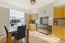5 bed Terraced property to rent in Rowfant Road, Balham...