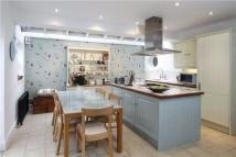 Terraced home to rent in Fernside Road, Clapham...