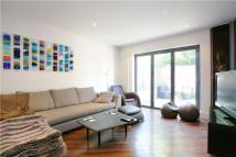 5 bed Terraced house to rent in Endlesham Road, Clapham...